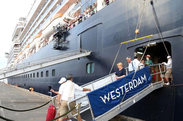Coronavirus, americana contagiata sulla nave da crociera Westerdam