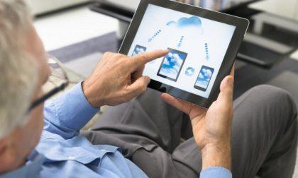 Rotaract dona tablet a 13 strutture per anziani