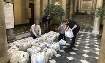 Chiavari, la consegna di generi alimentari alle famiglie in difficoltà