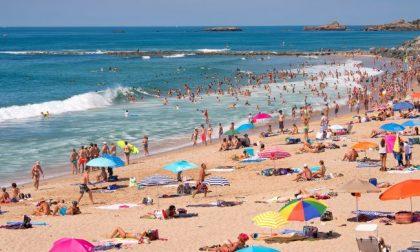 Weekend da bollino rosso per le spiagge liguri, Tosi all'attacco