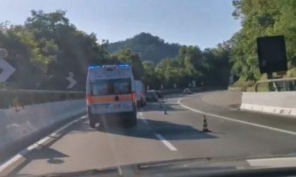 Incidente sull'A12, ricoverata al San Martino