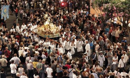 Madonna del Carmine a Lavagna, la cassa per la prima volta in riva al mare