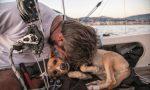 Il viaggio in vela di Marco e del suo cane Muttley, in cerca di porti senza barriere