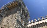 Messa in sicurezza della Torre Civica: in corso le operazioni per il montaggio dei ponteggi