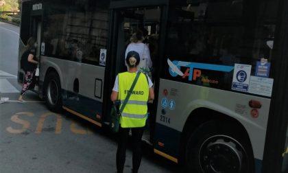 Rifiuta di indossare la mascherina sul bus, 15enne in caserma