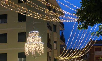 A Recco si installano le luminarie natalizie