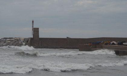 Arrivano le mareggiate, a Recco accesso vietato ai moli