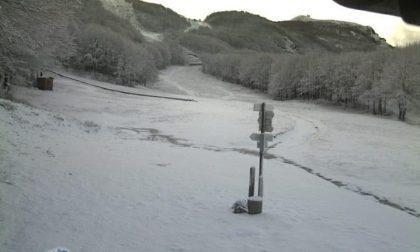 La neve torna ad imbiancare la Val d'Aveto