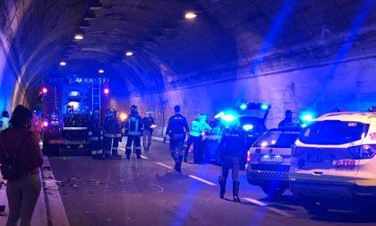 Ragazzo chiavarese morto sulla A10: testimoni hanno notato l'auto senza una gomma
