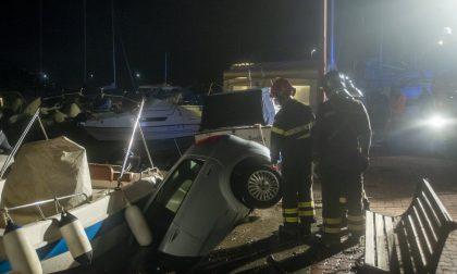 Auto precipita in mare, nessun ferito