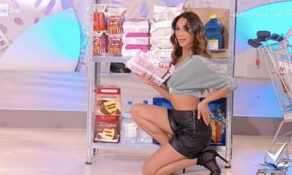 E' di Biella la pole dancer del tutorial sexy al supermercato
