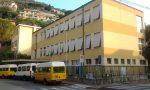 Lavori in corso per la ristrutturazione dei bagni della scuola di via Massone