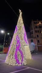 Recco accende l'albero di Natale