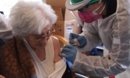 Vaccinate oggi in Liguria due ultracentenarie, le più anziane d'Italia