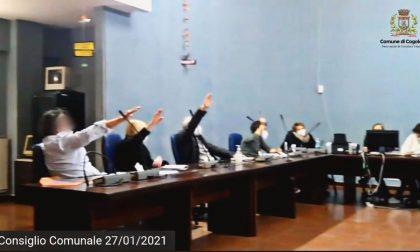 Saluti romani in consiglio comunale a Cogoleto, nel giorno della Memoria