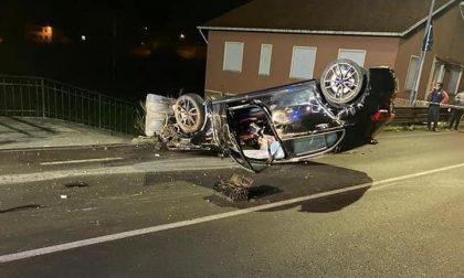 Automobile si ribalta, due feriti a San Colombano