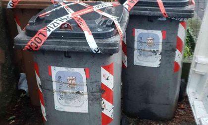 Getta materiali edili nei cassonetti, denunciato il titolare di un'impresa