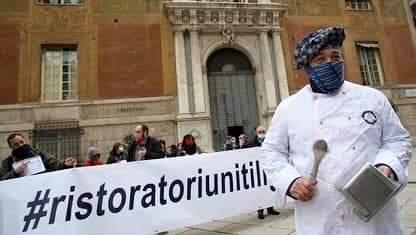 Ristoratori in protesta a Genova, le richieste