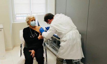 Vaccinazioni, proseguono anche a Pasquetta