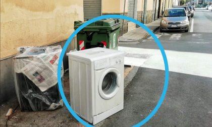 Furbetti dell'immondizia a Lavagna: non fanno i conti con le telecamere