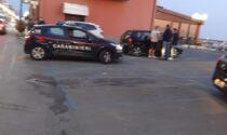 Molesta alcune ragazze sul lungomare e tira fuori un coltello, intervengono i carabinieri
