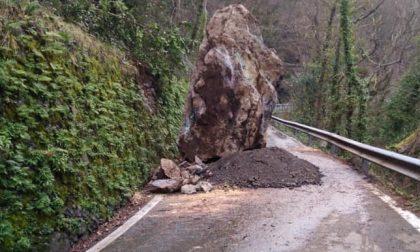 Entro 48 ore dovrebbe riaprire al traffico la provinciale bloccata dal masso caduto il 10 febbraio