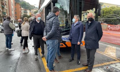 Recco, viaggio di prova dell'autobus da 18 metri sulla linea Genova – Recco