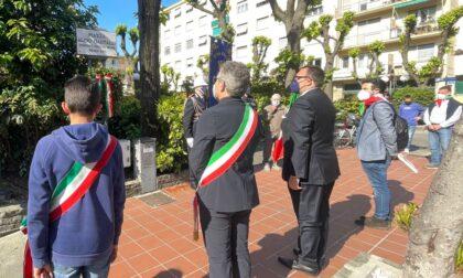 Una corona d'alloro in piazza Gastaldi