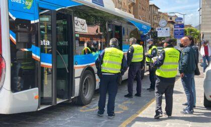"""Controlli a tappeto sugli autobus contro i """"furbetti del biglietto"""""""