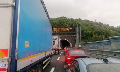 Chiusura ai mezzi pesanti di un tratto di autostrada, intervengono i sindacati