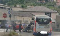 Autobus scontra studente in scooter, portato al Pronto Soccorso