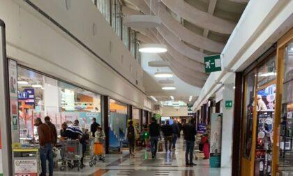 Riaprono i centri commerciali dopo la pandemia, afflusso ordinato
