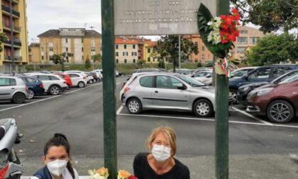 Lavagna, dal Comune rimessi i fiori alla targa dedicata a Taviani