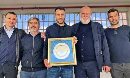 """Il presidente Gozzi premia Mancosu: """"Grazie per questi anni passati insieme"""""""
