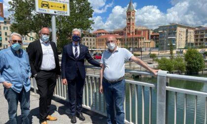 """""""Io rispetto il ciclista"""", il Rotary Club Chiavari Tigullio dona sei cartelli informativi al Comune"""