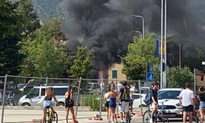 Sestri Levante: incendio distrugge alcuni veicoli