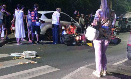 Incidente in corso Montevideo, auto urta contro un portapizze