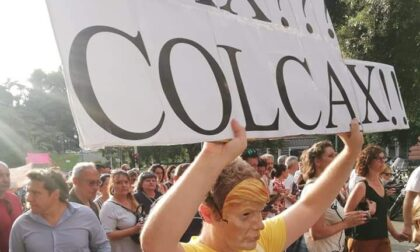 """No Green Pass"" : oltre mille persone in piazza a Genova"