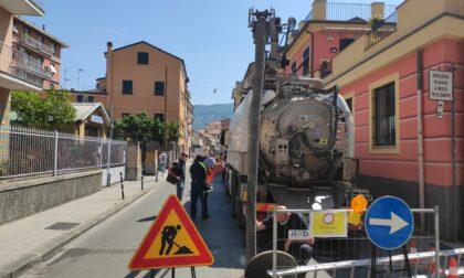 Canale primario di via Piacenza: continuano i lavori di pulizia