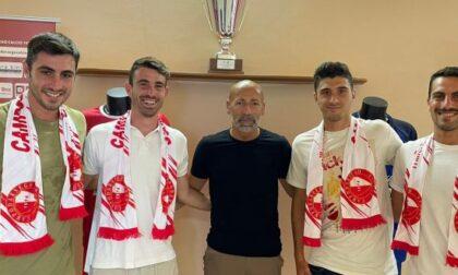 Tre giocatori della Lavagnese con Masitto al Campodarsego