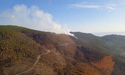 Incendi, il punto: a Framura fiamme sotto controllo
