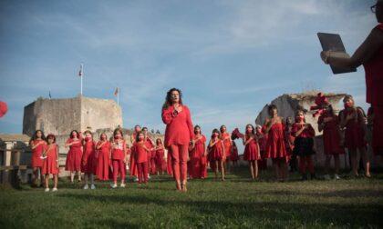 Flash mob a sostegno delle donne afgane