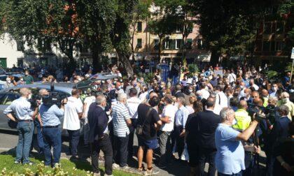 L'ultimo saluto al sindaco Marco Di Capua