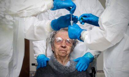 Grave ospite di una casa di riposo non vaccinato. Positivi due operatori, erano vaccinati entrambi