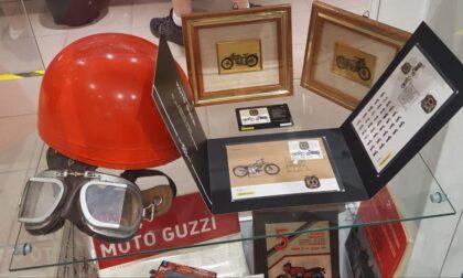 Anche l'ufficio postale di Rapallo celebra la moto Guzzi