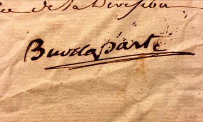 Una mostra con esposte lettere e carte di Napoleone Bonaparte