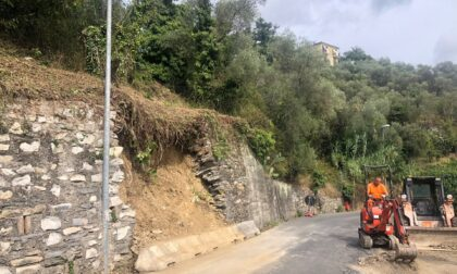 Muro crollato, lavori di ricostruzione a Maxena