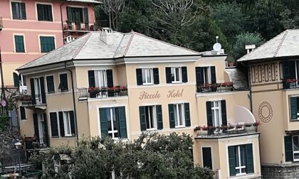 Turista americano cade dal balcone dell'hotel e muore