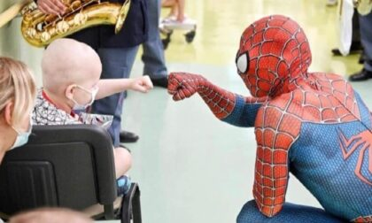 Il nostro Spiderman dei reparti pediatrici a Tu si Que Vales
